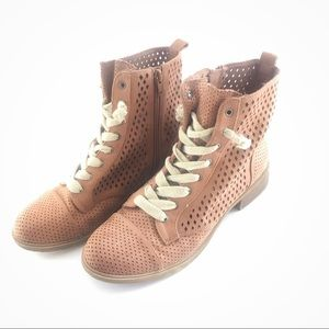 Report Hagen Tan / Dusty Rose Perforated Booties